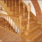 Почему скрипит деревянная лестница