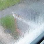 Почему потеют окна и балконное остекление